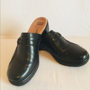 Clark's  Soft Cushion Black Leather mules 10M